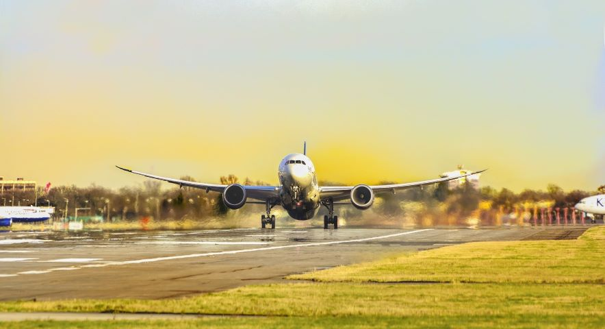 investment aircraft take off